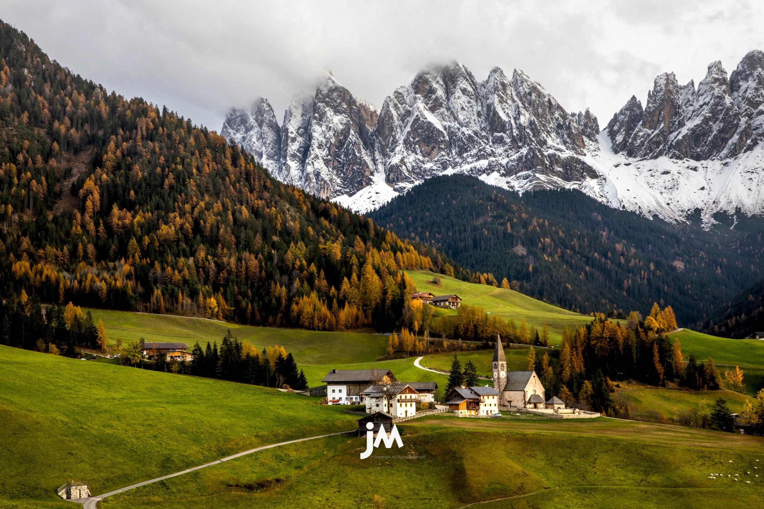 AUTUMN DOLOMITES PHOTO TOUR – ITALY